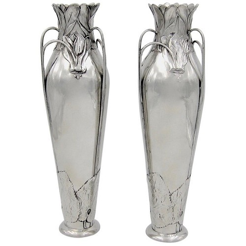 J. P. Kayser & Sohn Jugendstil Vase Pair in Polished Pewter, Made in Germany circa 1898-1900